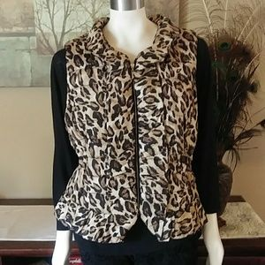 Sz XL WHBM Cheetah Puffer Vest with Bag